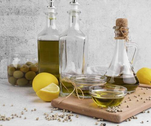 variety-olive-oil-olives-table